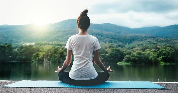 ورزش یوگا و درمان سرطان - یوگا و نقش آن در کیفیت زندگی - نقش یوگا در کاهش استرس بیماران